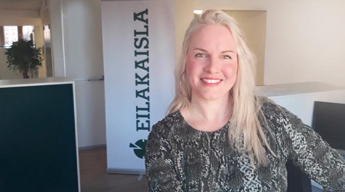 Eilakaislan toimistoassistentti Manuela Norrgrann - Määräaikaisesta työtarjouksesta ura uudella alalla